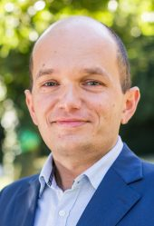 Vladyslav Shyperko, Principal Banker I.D. inspiring development